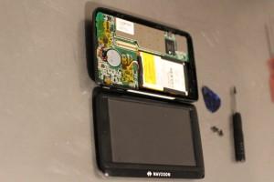 A cette étape vous pouvez soit remplacer votre écran cassé soit remplacer votre batterie qui ne tien plus la charge
