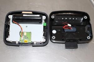 GPS tomtom rider ouvert vu sur la batterie