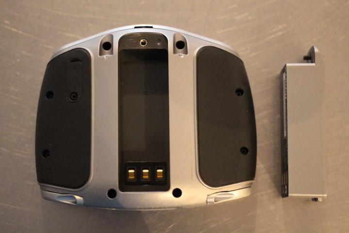 retirer la batterie du GPS Garmin